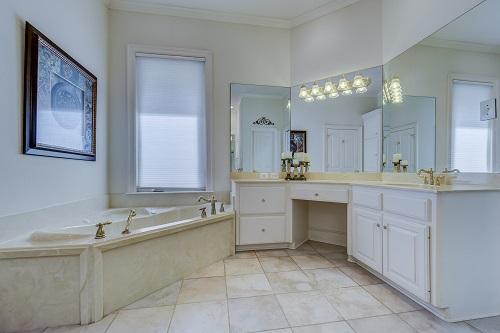 Sanitair En Tegels : Kenmerken badkamertegels stopet sanitair